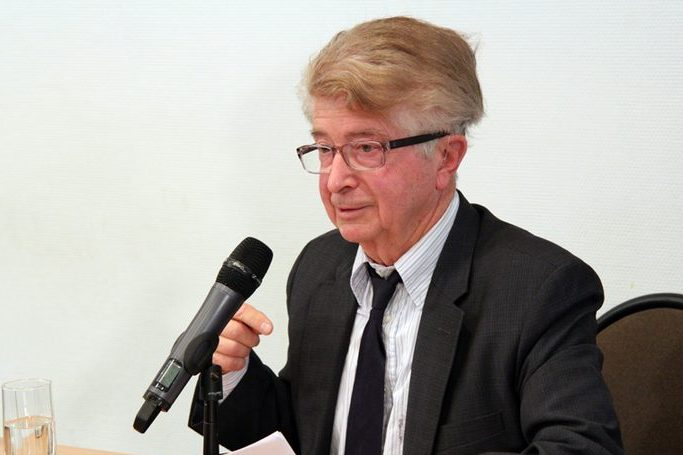 Профессор Жорж Нива