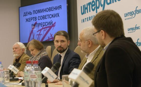 Николай Сванидзе: «Нельзя кормить наших детей враньем»