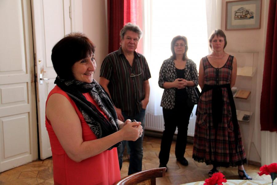 Слева – Наталия Соколовская