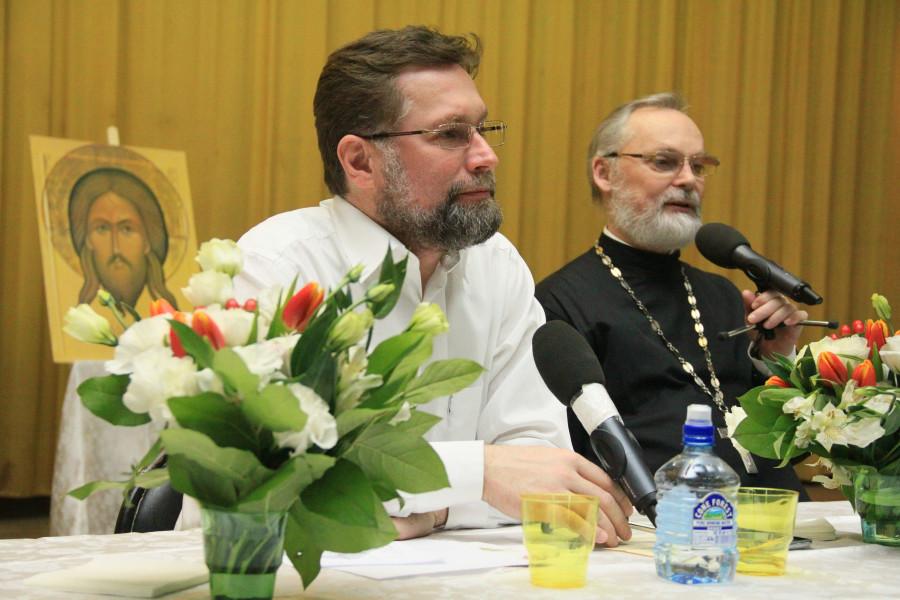 Dmitry Gasak and priest Georgy Kochetkov