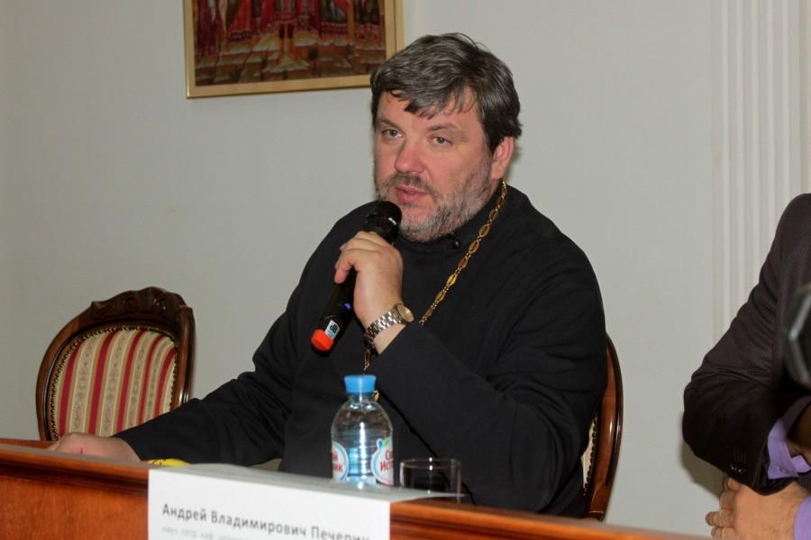 Священник Илья Соловьев, кандидат исторических наук, председатель Общества любителей церковной истории