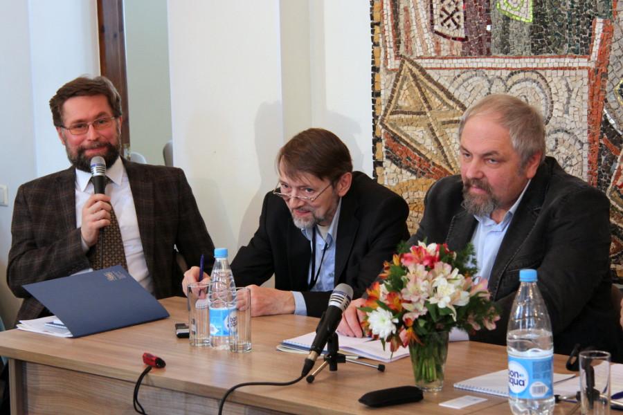 Слева направо: Д. Гасак, А. Журавский, Ф. Разумовский