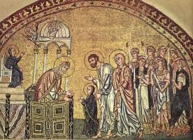 Божья Матерь жизнью своей показала, что человек может постоянно служить Богу