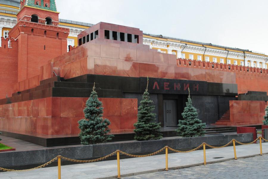58% россиян считают, что Ленина нужно захоронить – опрос