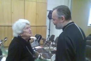 Юлиания Шмеман благодарит о. Георгия Кочеткова за доклад