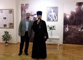 В центре «Царский» открылась выставка, посвященная уникальному Крестовоздвиженскому ...