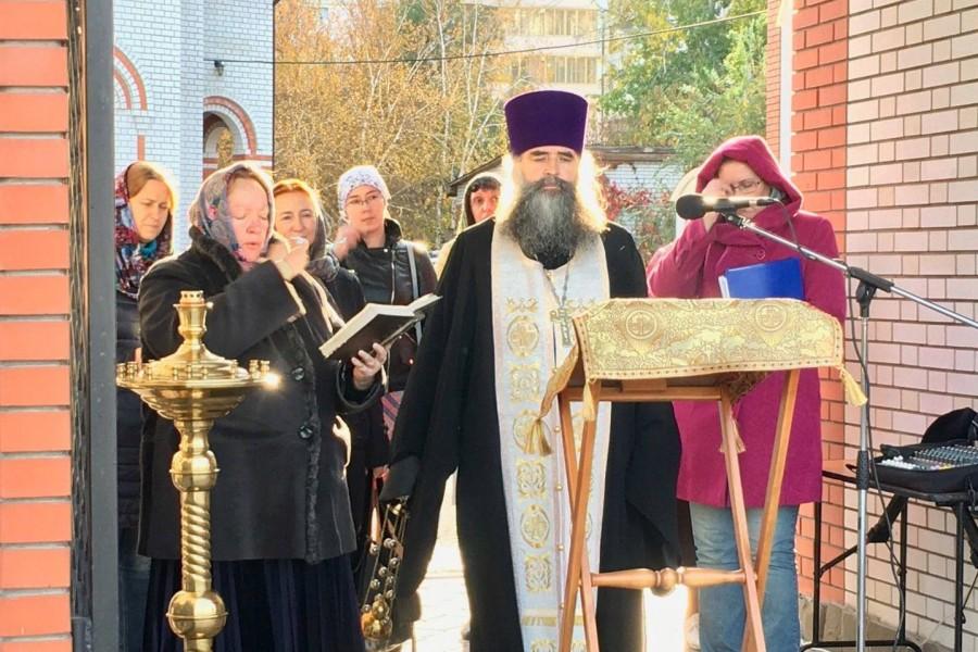 Протоиерей Игорь Малов (Волгоград), настоятель храма Всех святых, в земле Российской просиявших