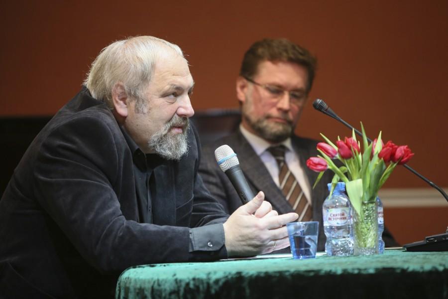 Феликс Разумовский, Дмитрий Гасак
