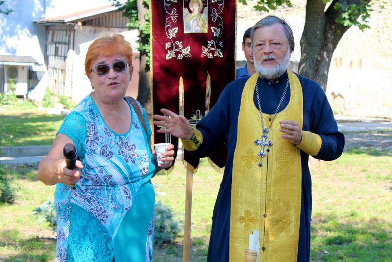 Лидия Дохотару, священник Иоанн Догот