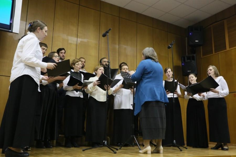 Торжественный вечер увенчало выступление хора Свято-Филаретовского института