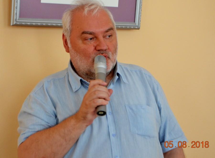Валерий Ларионов