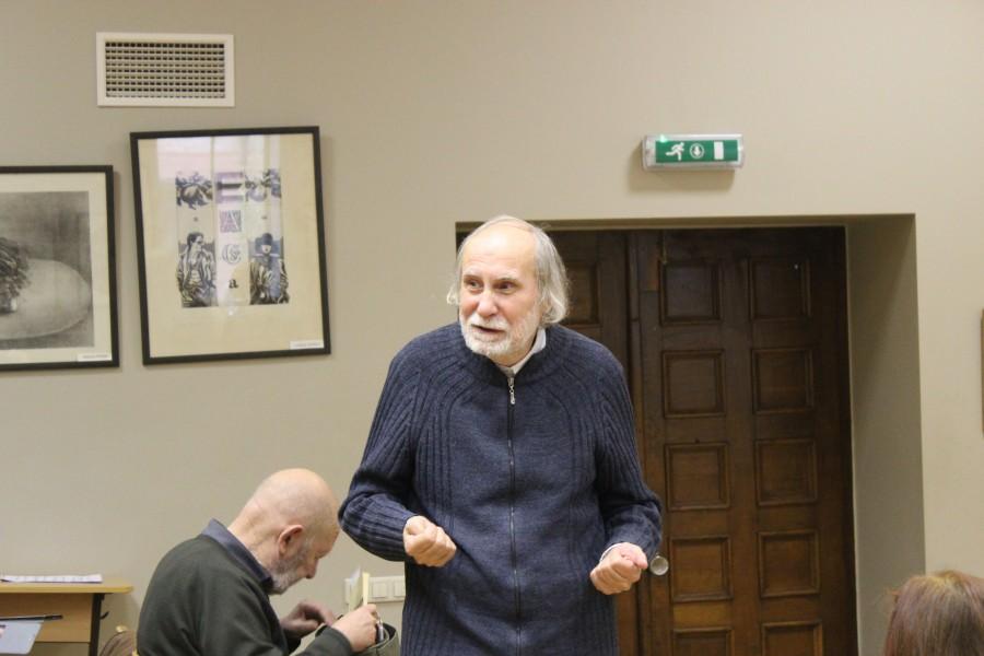 Юрий Львович Сидяков, сын латвийского филолога-пушкиниста Льва Сидякова