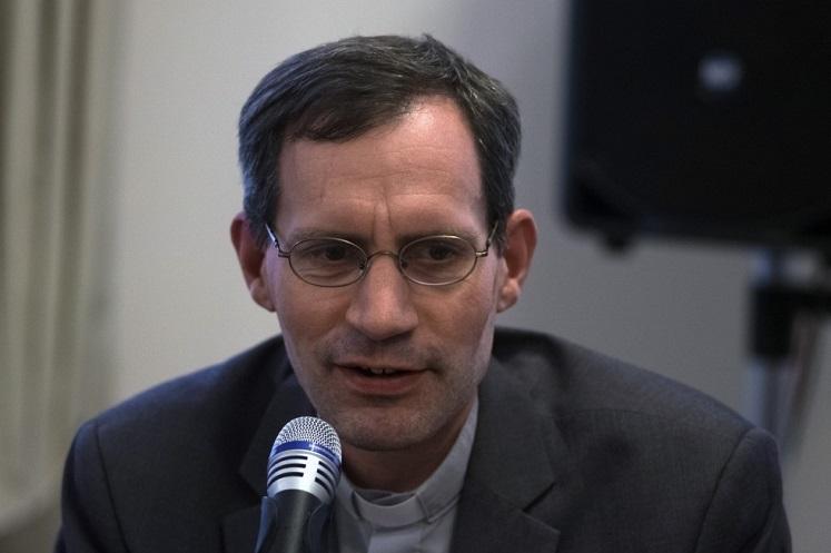 Священник Штефан Липке S. J.