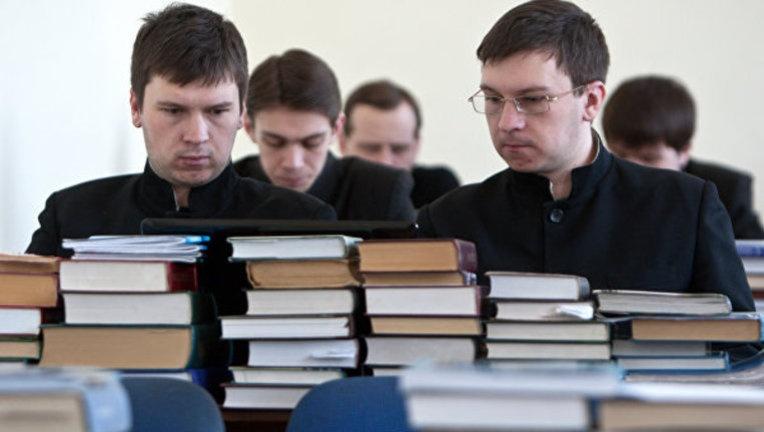 В России разрешено присуждать ученые степени кандидата и доктора теологии