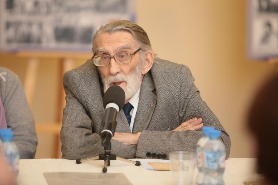 Заведующий Музеем истории школы Карла Мая Никита Благово