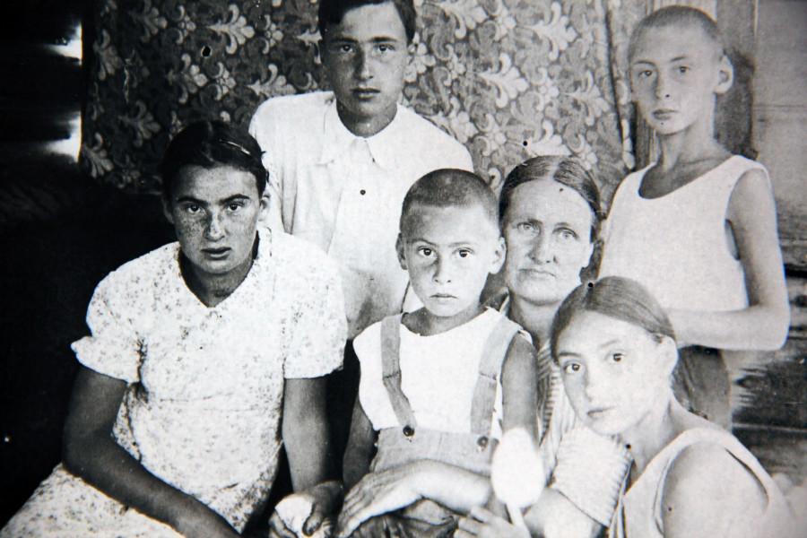 Наталья Дмитриевна Шаховская-Шик с детьми