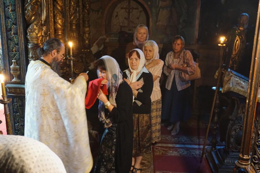На литургии в Нямецком монастыре
