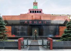 Похоронить нельзя оставить: к чему приведут споры вокруг тела Ленина?