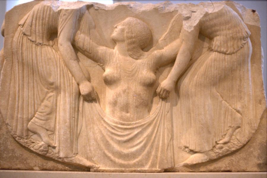 Рождение Афродиты. Так называемый Трон Людовизи. Мрамор. Ок. 460 г. до н.э. Рим, палаццо Альтемпс