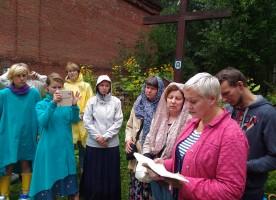 Православные Санкт-Петербурга почтили память новомучеников на Ржевском полигоне