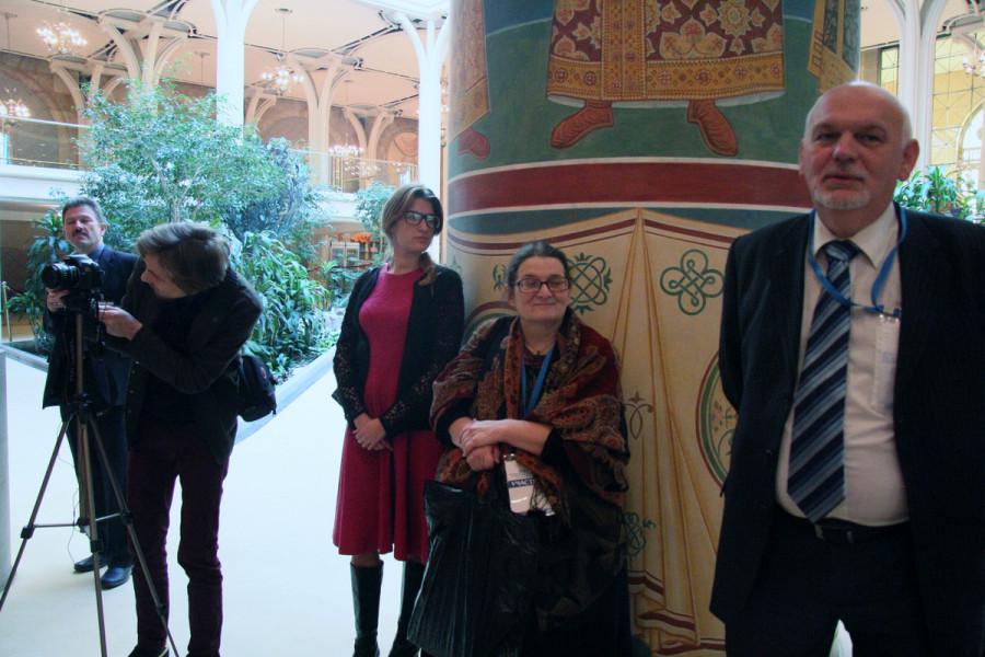 Справа налево: ответственный редактор «Журнала Московской Патриархии» Евгений Стрельчик, главный редактор газеты «Кифа» Александра Колымагина