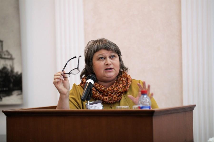 Старший методист Екатеринбургского дома учителя магистр богословия Евгения Парфенова