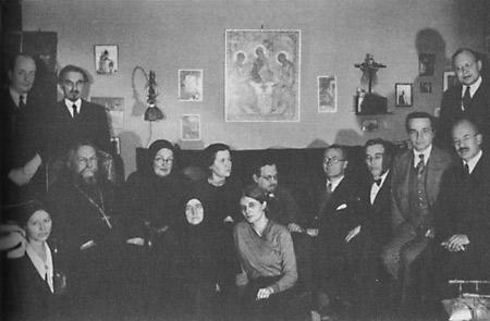 Мать Мария (Скобцова) и сестра Иоанна (Рейтлингер) рядом с прот. Сергием Булгаковым. Семинар братства святой Софии об аскезе и культуре. 21 декабря 1933 г.