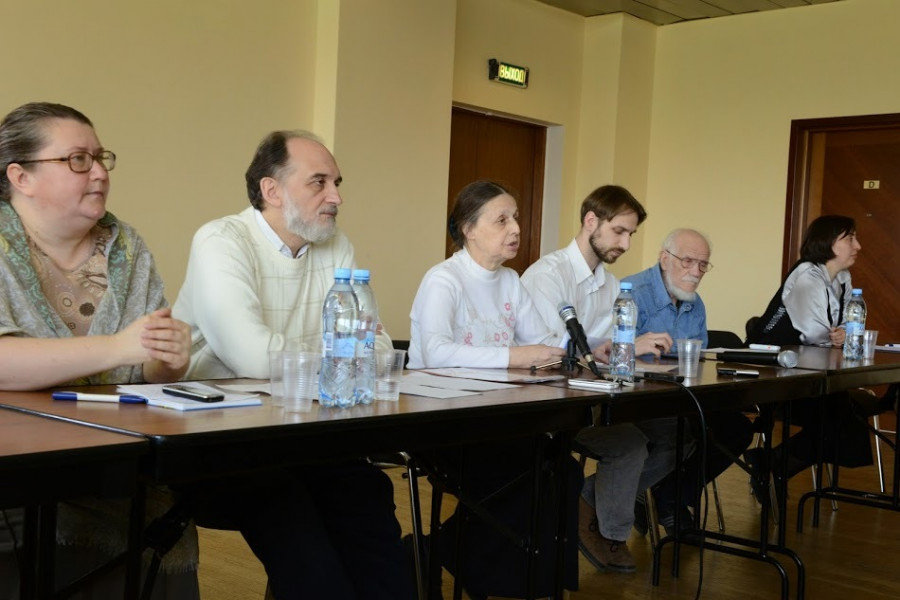 Слева направо: Светлана Чукавина, Александр Копировский, Людмила Комиссарова, Кирилл Мозгов, Юлий Халфин, Анна Алиева