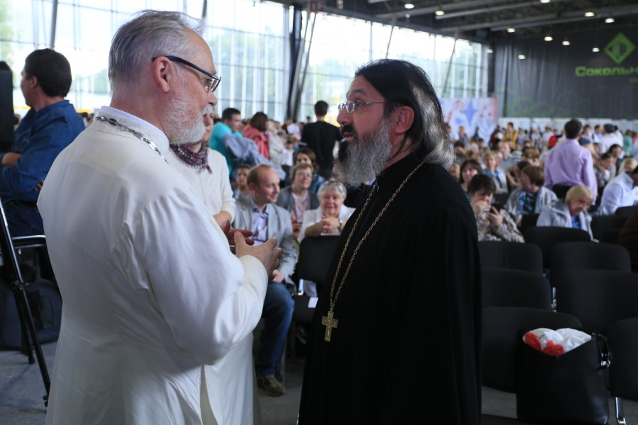 Fr. Georgy Kochetkov and Fr. Giovanni Guaita. Photo by Alexander Volkov