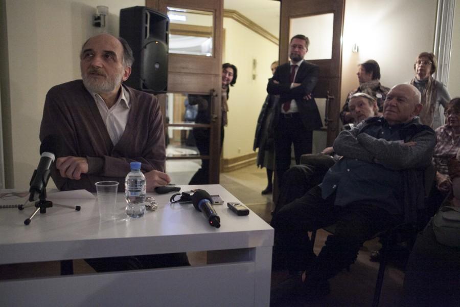 Александр Копировский, к. пед. н., профессор СФИ (Москва), ведет Художественную гостиную