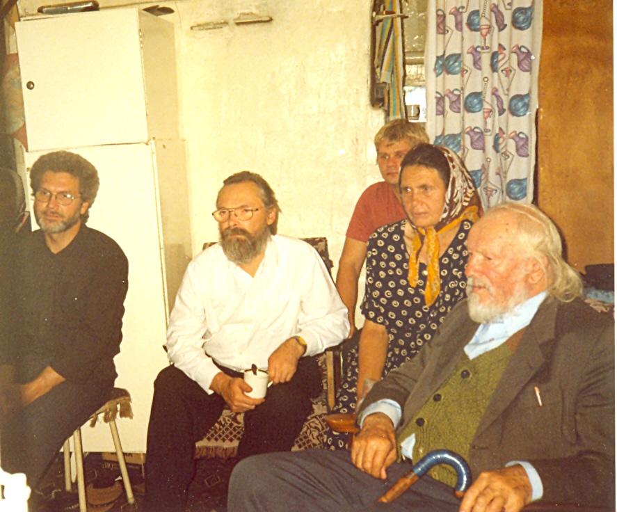 В гостях у протоиерея Павла Алексахина и общины беседников. Село Красные Ключи, Самарская область, 2002 год