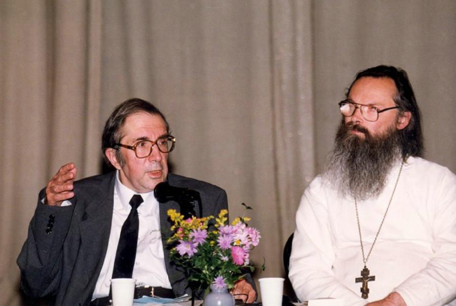 На конференции Преображенского братства «Язык церкви» с академиком Сергеем Аверинцевым. 1998 год