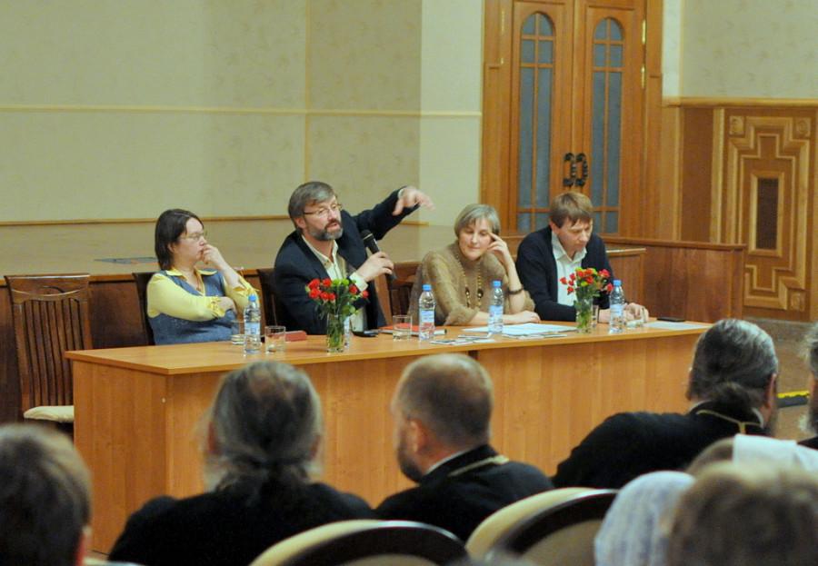 В центре - Олег Глаголев
