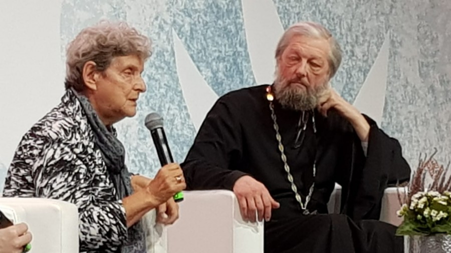 Светлана Ганнушкина и протоиерей Александр Лаврин