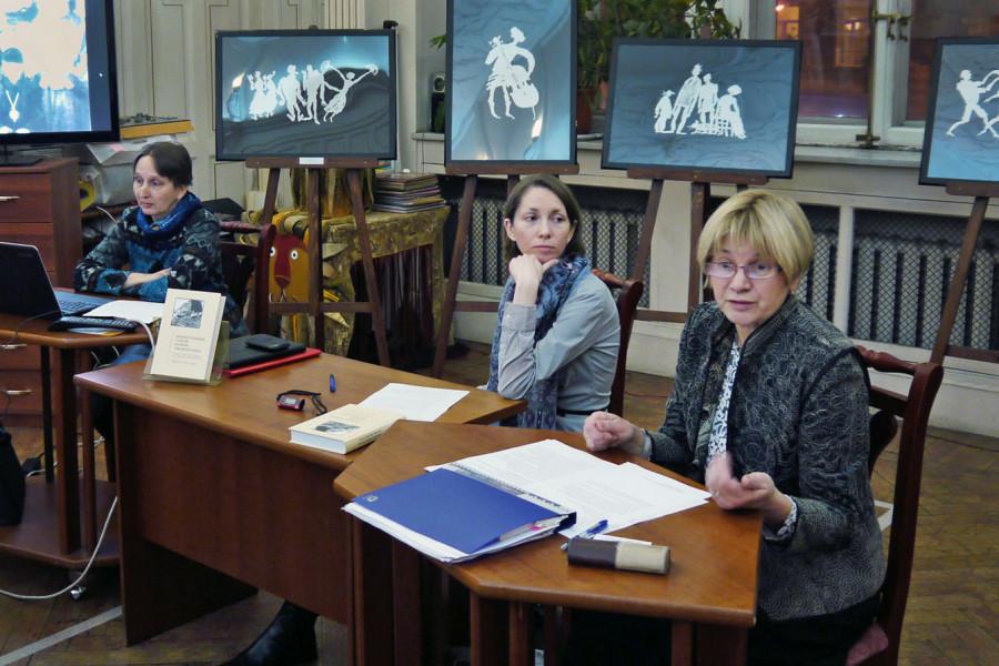 Слева направо: Мария Патрушева, Анна Лепехина, Ольга Борисова. Фото Игоря Хмылева