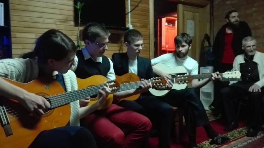 четверо с гитарами