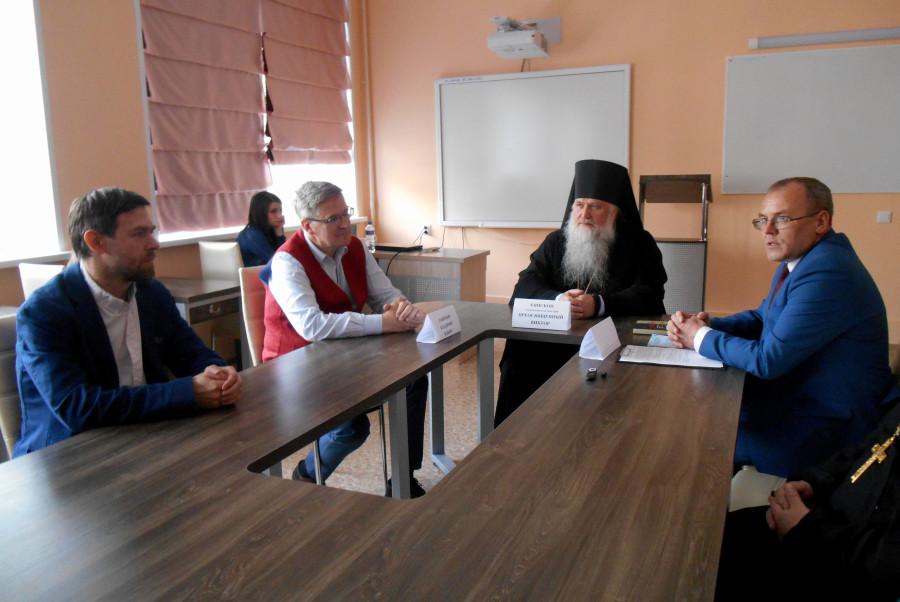 Слева направо: Александр Корнеев, Владимир Лавренов, епископ Глазовский и Игринский Виктор, Сергей Логинов