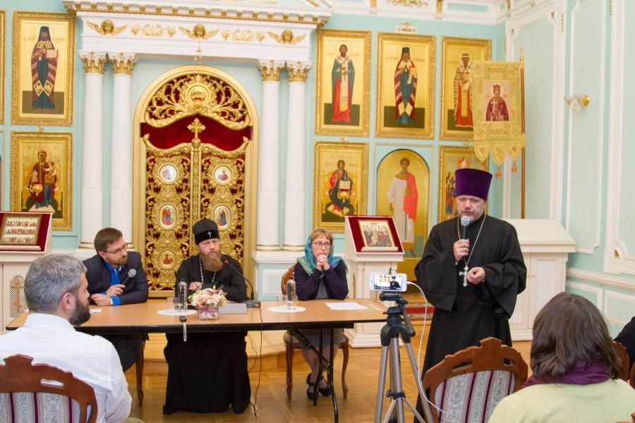 Председатель миссионерского отдела тверской епархии отец Александр Шабанов