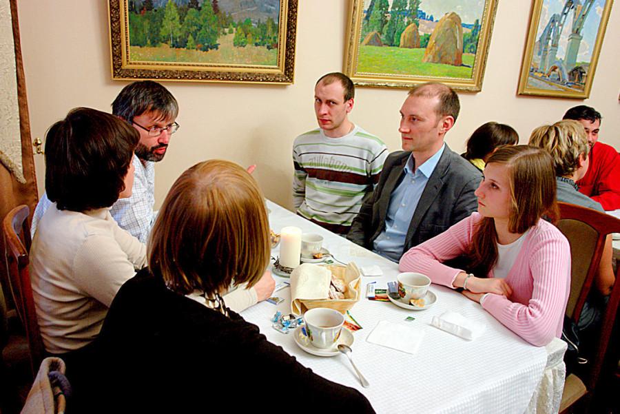 Беседа за праздничным чаем