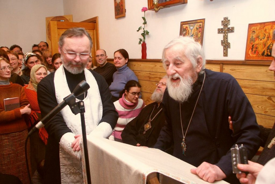 О. Виталий Боровой проповедует на Великой вечерне в часовне СФИ, 21 января 2006 г.