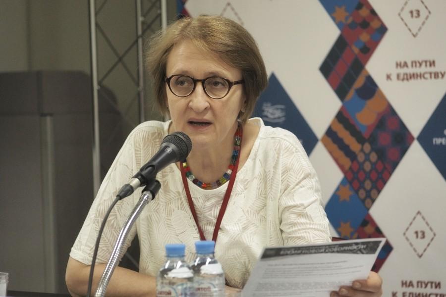 Лариса Мусина, заведующая кафедрой Священного писания СФИ