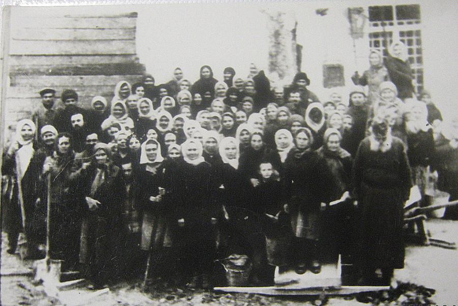 Фото 3. Строители Успенского собора