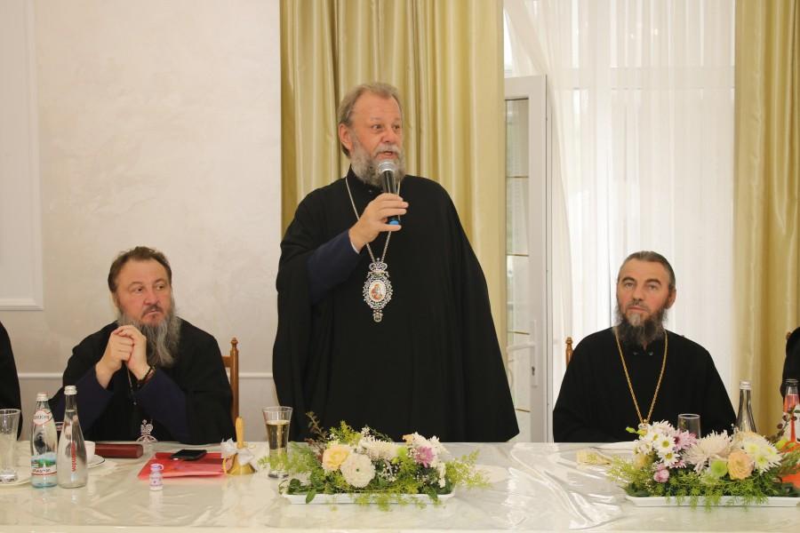 Митрополит Кишинёвский и всея Молдовы Владимир (Кантарян) открывает VIII Паисиевские чтения
