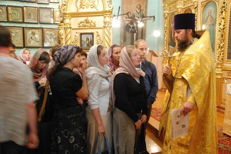 После литургии в Свято- Троицком храме. Томск, 2011 г.