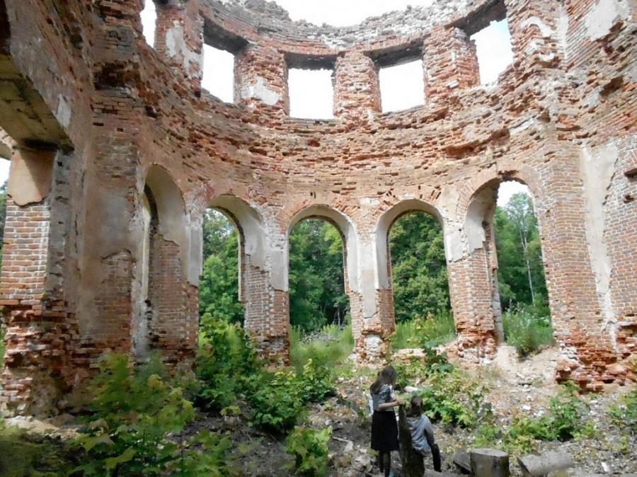 Усадьба Голицыных, господский дом. Село Самуйлово, Смоленская область.