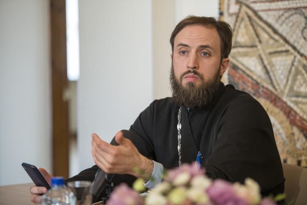 Священник Стефан Домусчи, старший преподаватель Московской духовной академии