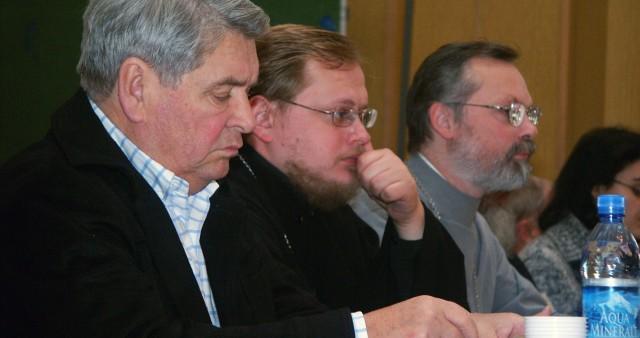 Конференция о мирном и непримиримом противостоянии злу в церкви и обществе открылась в Институте философии РАН