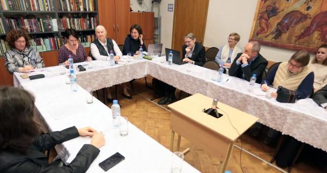 Трудности в исследованиях христианских сообществ обсудили в СФИ