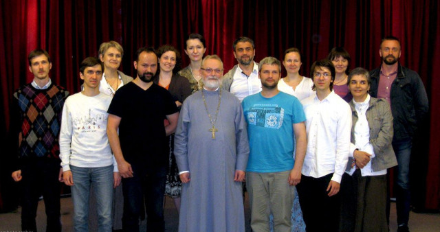 Fr Georgy Kochetkov and a group of Orthodox youth visit Bose