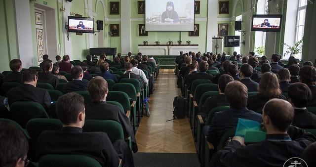 Выпускники СФИ приняли участие в Международной студенческой научно-богословской конференции СПбДА